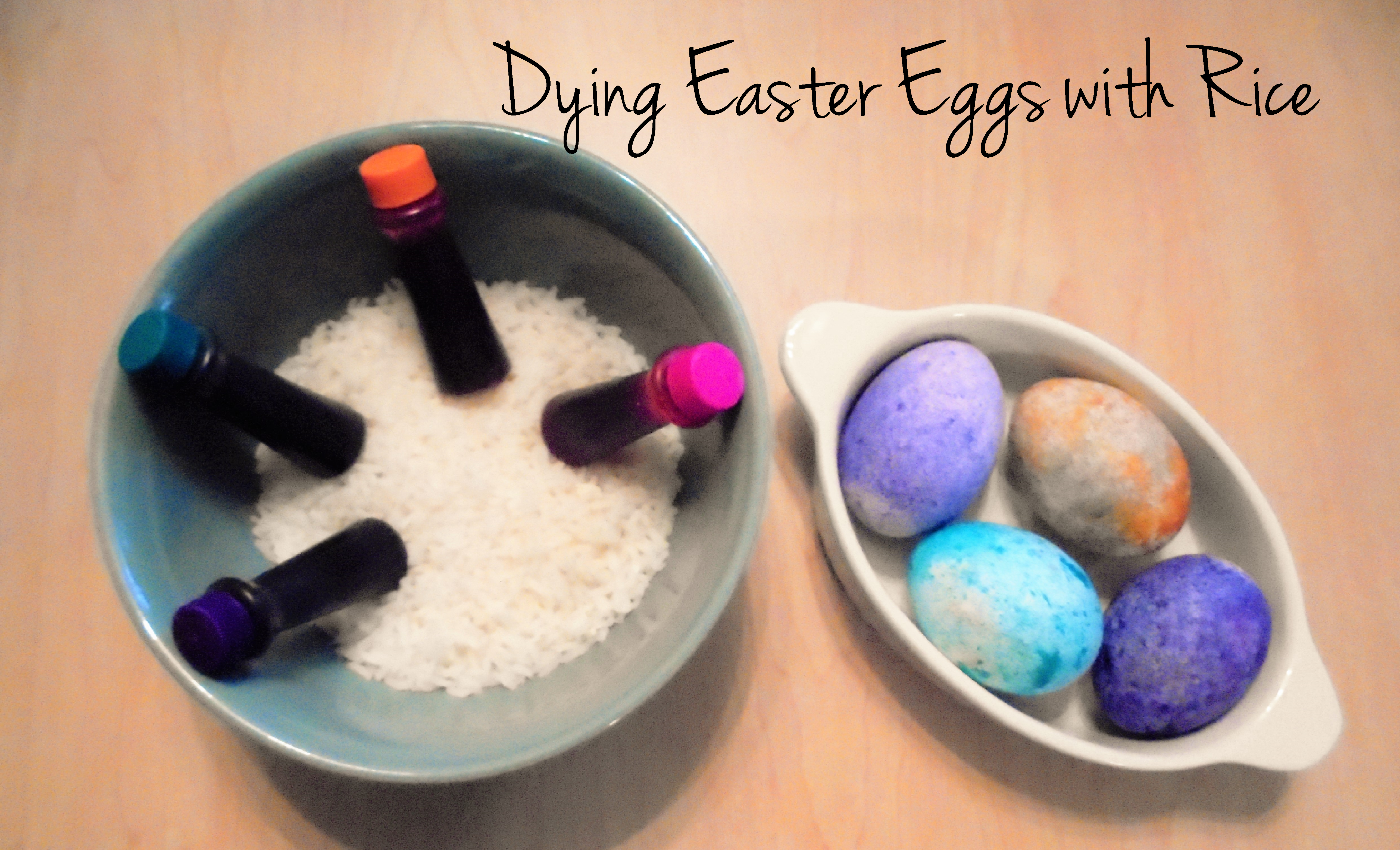 dying easter eggs with rice and food coloring, dying easter eggs, easter eggs, food coloring easter eggs, dying easter eggs with rice, homemade easter eggs