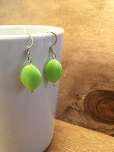 Green earrings2